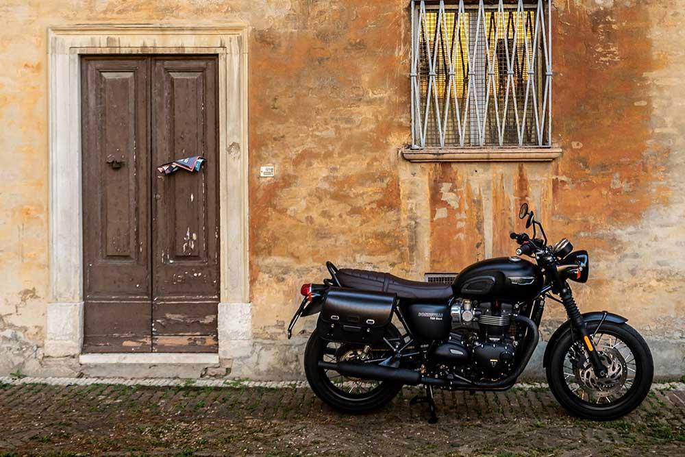 Motorcycle Rental in La Louviere